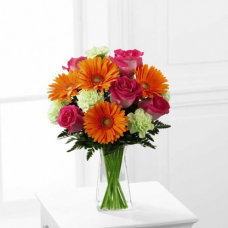 The FTD Pure Bliss Bouquet