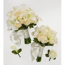 Bride & Maid of Honor Bouquets with Groom & Best Man Boutonnieres