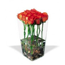 Roses with River Rocks - Pretty Style